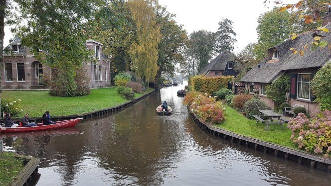 Afbeelding 4 van Bezoek aan Giethoorn (Holland Venetië)