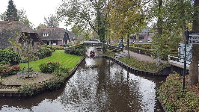 Afbeelding 3 van Bezoek aan Giethoorn (Holland Venetië)